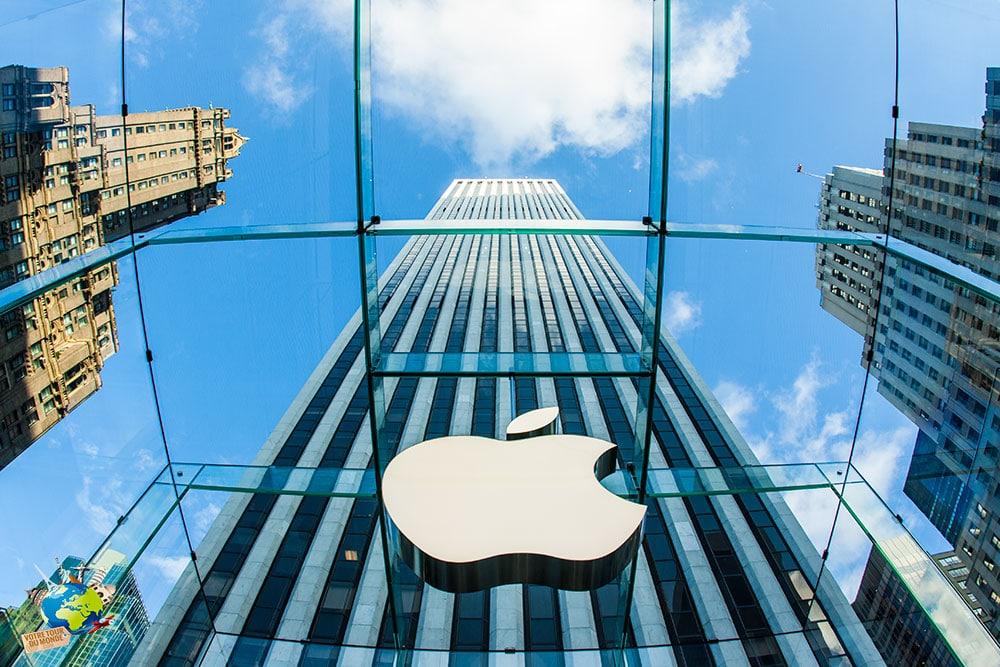 L'Apple store sur la 5th avenue à New-York est l'un des plus connus du monde