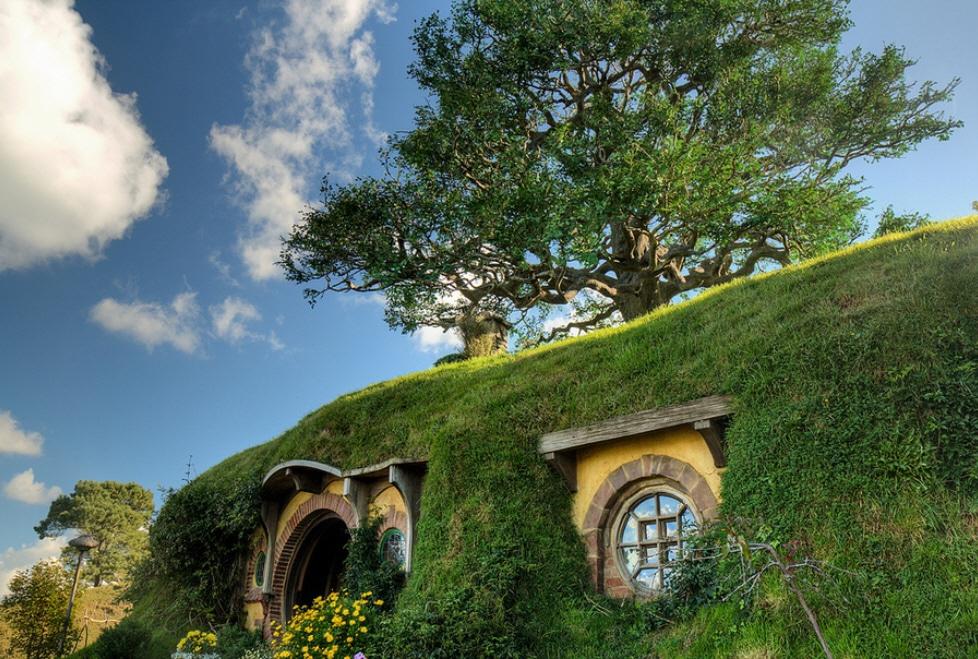 Hobbiton-New-Zealand.jpg