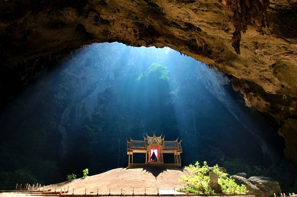 Phraya-Nakhon-cave-Thailand-1024x680.jpg