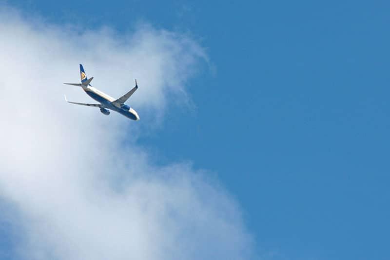avion-de-ligne-paerd-pieces-lisbonne-portugal