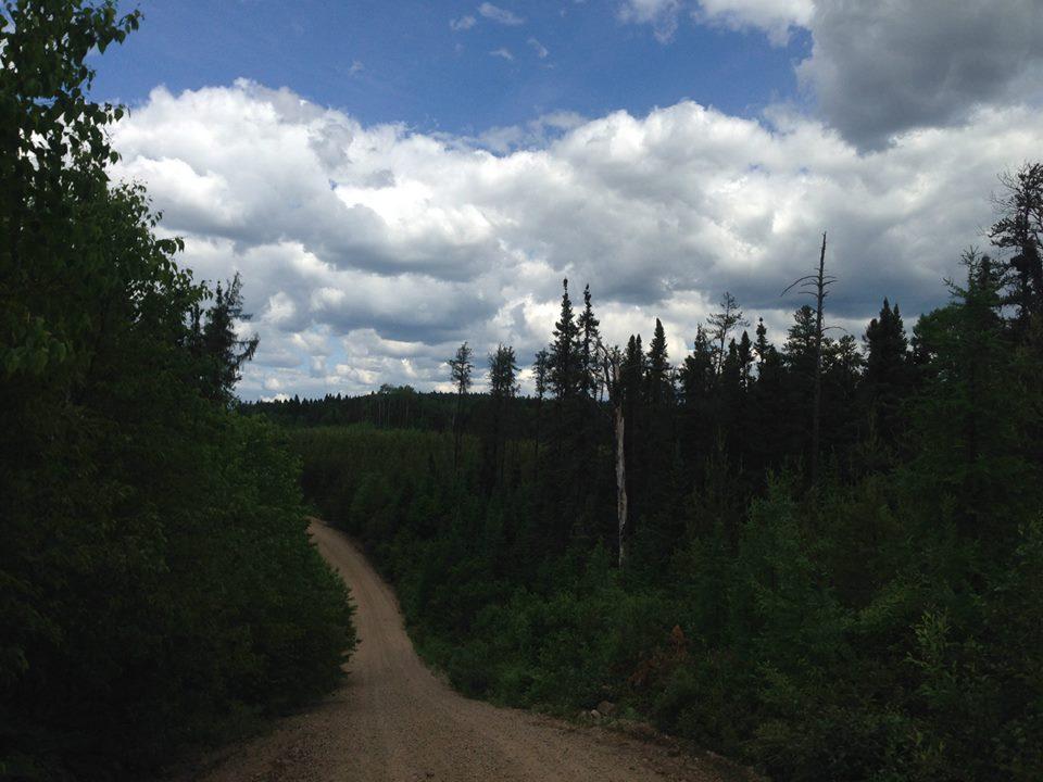 road trip quebec tour du monde pourvoirie oscar farrar route forestière piste
