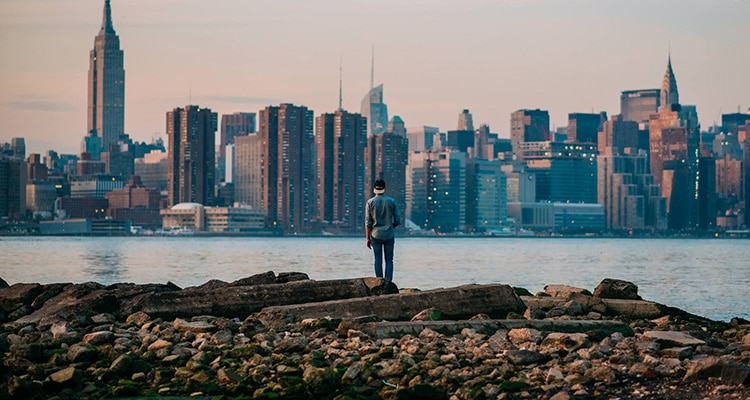 J'ai séjourné à New York à plusieurs reprise et je suis tombé amoureux de cette ville qui ne s'arrête jamais de me surprendre