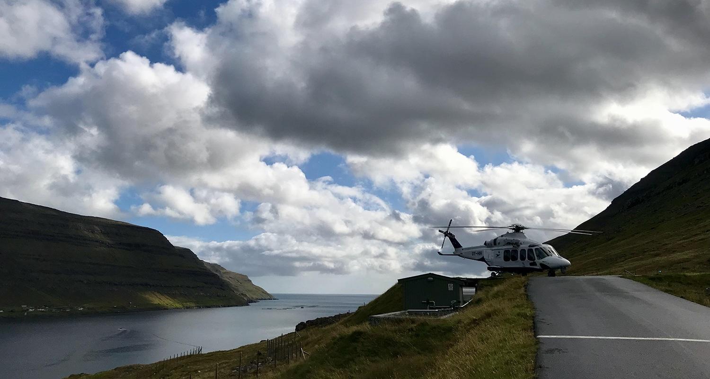 L'hélicoptère sur les îles féroé