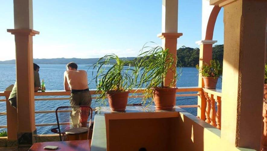 La vue sur le lac depuis l'hotel de La Union