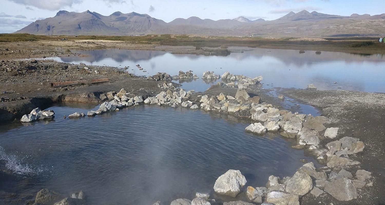 les sources d'eau chaudes doivent absolument faire partie de votre voyage en Islande