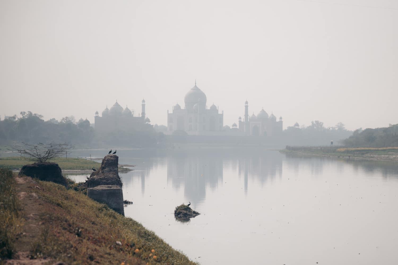 Le rocher qui donne sur le Taj Mahal